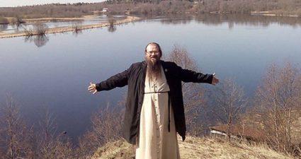 Патриарх Кирилл лишил сана священника-педофила из Вологодской области